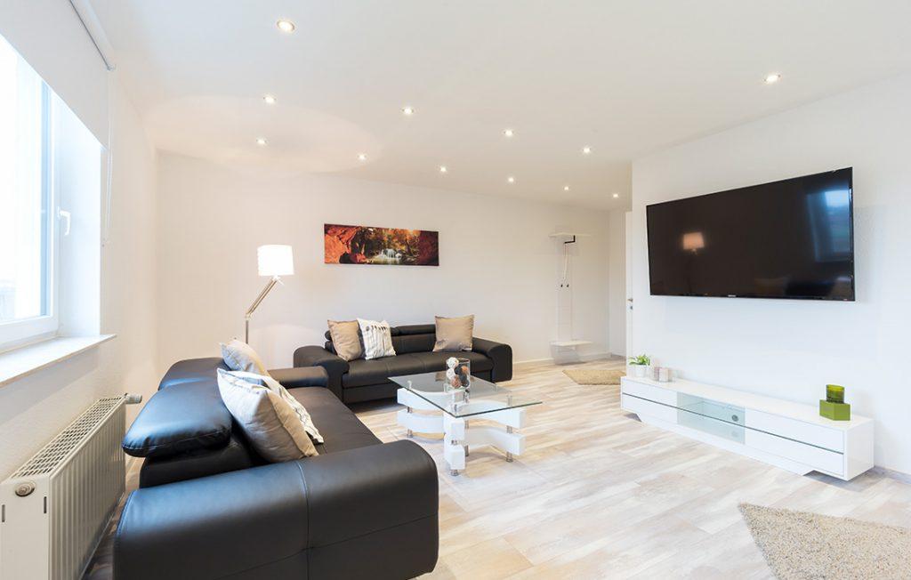 großzügiger Wohnraum | Superior Boarding Apartment Waldstadt Immobilien Halle Saale Peißen