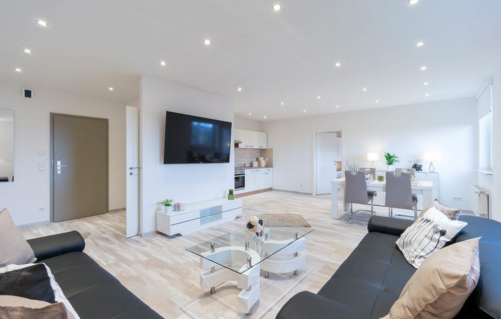 luxuriöse Ausstattung im Wohnzimmer | Superior Boarding Apartment Waldstadt Immobilien Halle Saale Peißen